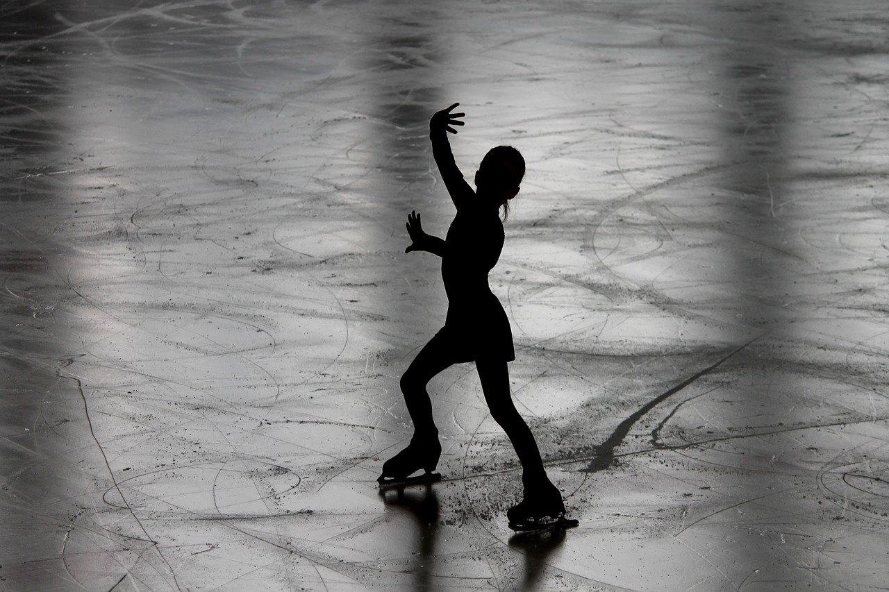 Discussing The Many Great Uses Of Synthetic Ice – A Detailed Guide